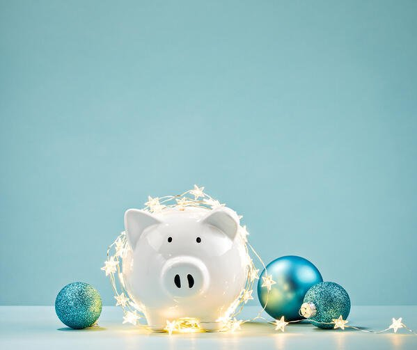 Piggy Bank with Holiday trimmings | First Alliance Credit Union